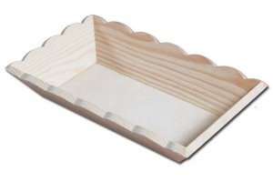 Tray with winding edges 23x15x4 cm.