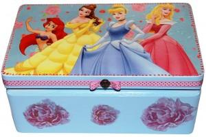 Dėžutė papuošalams, dekupažas,  29x18x12,5 cm.