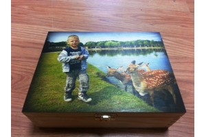 Wooden tea box with custom picture