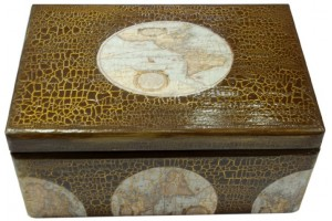 Dėžutė batų valymo reikmenims,dekupažas, 29x18x12,5 cm.