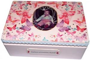 Krikštadėžė su nuotrauka,  35x24x15 cm.