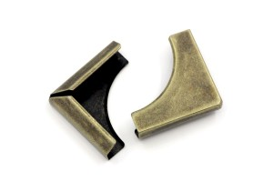 Metal corner, 4.5x3.2cm.,antique bronze color, 1 pcs.,8SB25696