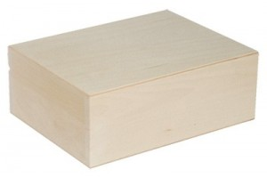 Medinė dėžutė 21x14,8x8 cm. 1817