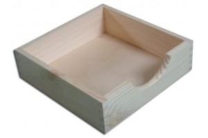 Dėžutė servetėlėms 19x19x5,5 cm.