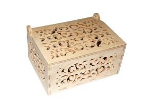 Medinė dėžutė ažurinė 15,2x11,2x8,2 cm. RD64-1