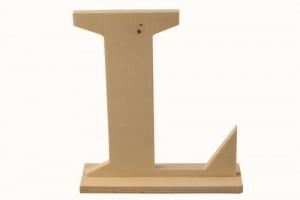 Medinė pastatoma raidė L 16x4x15 cm.