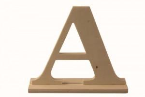 Medinė pastatoma raidė A 17x4x15 cm.