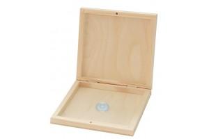 Medinė dėžutė CD diskeliams su magnetu 14,8x14,8x2,7 cm. 1829