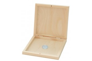 Wooden box of CDs 14,8x14,8x2,7 cm. 1829