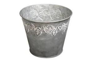 Metal bucket: 13x10 cm.