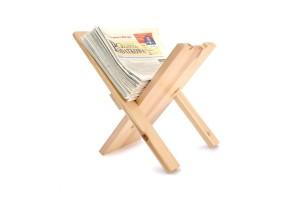Medinis laikraščių laikiklis 34x32x35 cm.