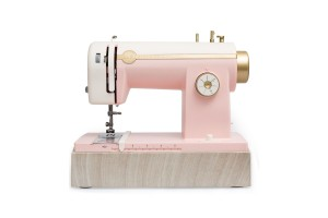 We R Memory Keepers sewing machine EU pink