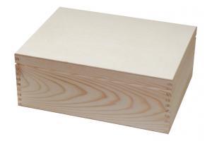 Medinė dėžutė 32x24x 12,6 cm.1843
