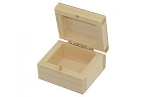 Medinė dėžutė maža (6,5x6) 1038