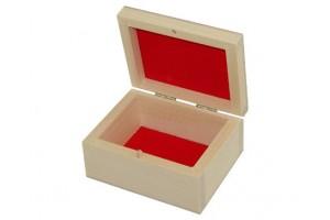 Medinė dėžutė raudonu pamušalu 1037