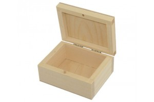 Medinė dėžutė (10x8) 1013