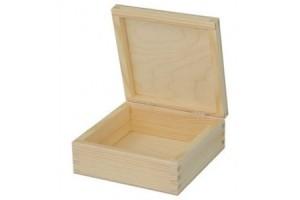 Medinė dėžutė kvadratinė 1064