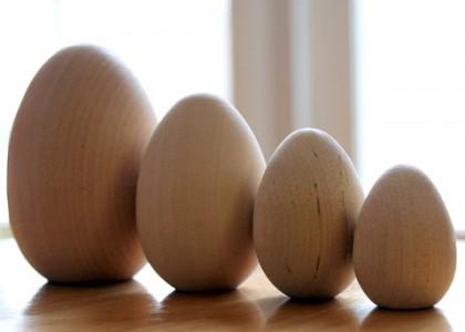 Mediniai kiaušiniai, įvairių dydžių
